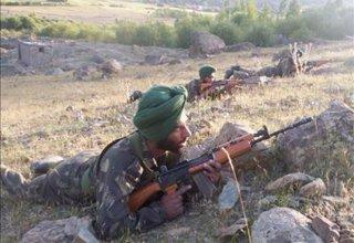 В перестрелке в Джамму и Кашмире погибли двое индийских военных