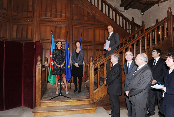 Mehriban Aliyeva attends exhibition and concert on Azerbaijan in Reims (PHOTO) - Gallery Image