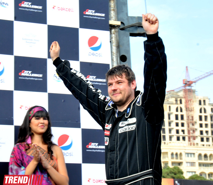 Pilot, performing best maneuver of City Challenge race in Baku, revealed (PHOTO) - Gallery Image
