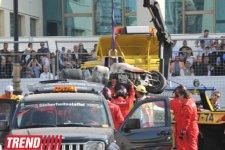 """Bakıda tarixi """"Formula 1"""" yarışmasının final mərhələsi zamanı braziliyalı pilot qəzaya uğrayıb (FOTO) - Gallery Thumbnail"""