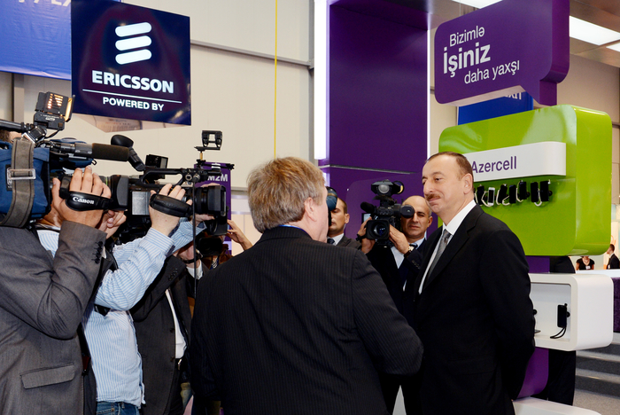 Azerbaijani President and his spouse attend opening of Bakutel-2012 exhibition (PHOTO) - Gallery Image