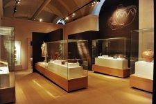 По инициативе Фонда Гейдара Алиева в Ватикане открылась выставка «Исторический взгляд на жемчужины Азербайджана»  (ФОТО) - Gallery Thumbnail