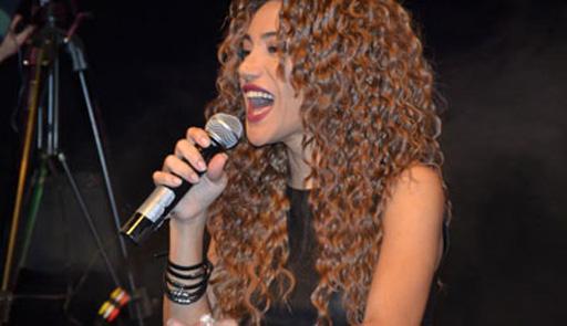 Ройа Айхан с успехом выступила на театральной сцене Утрехта (фотосессия) - Gallery Image