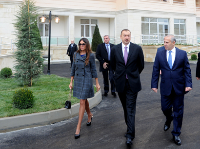 Azerbaijani President and his spouse attend opening ceremony of apartment buildings for disabled and martyr families in Sumgayit (PHOTO)