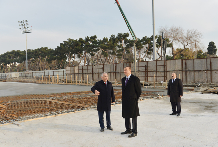President Ilham Aliyev inspects construction work at underground parking lot in Azadlig Square (PHOTO)