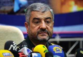 Iranian commander: IRGC ready to help government
