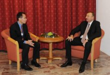 Azerbaijani President meets CEO of International Finance Corporation in Davos - Gallery Thumbnail