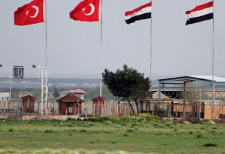 Turkey temporarily closes checkpoint on Syrian border