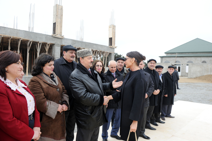 Mehriban Aliyeva visited some facilities to be reconstructed in Khazar region (PHOTO) - Gallery Image