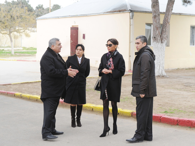 Mehriban Aliyeva visited some facilities to be reconstructed in Khazar region (PHOTO)