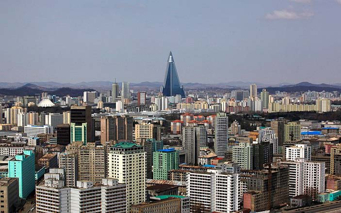 North Korea closes entry for foreign tourists amid Ebola threat