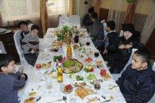 """""""AtaBank"""" ASC Novruz bayramında kimsəsiz uşaqları sevindirib (FOTO) - Gallery Thumbnail"""