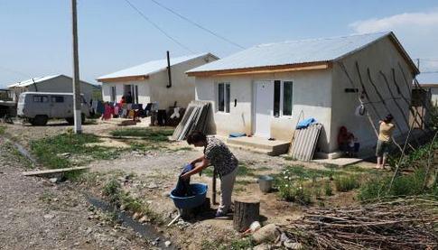 Грузия намерена потратить на улучшение жилищных условий беженцев 80 млн. лари