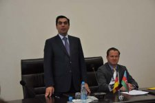 German MP visits Baku High Oil School (PHOTO) - Gallery Thumbnail