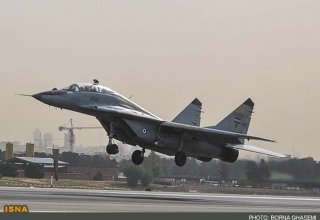 Iranian Air Force fighters begin military drills in Tehran