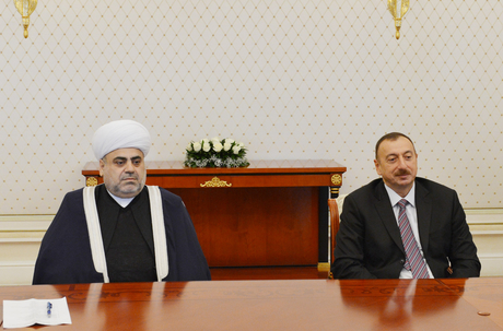 """Azerbaijani President receives participants of """"CIS Muslims for peace and sustainable development"""" conference (PHOTO) - Gallery Image"""