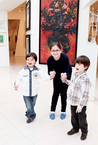 Вице-президент Фонда Гейдара Алиева Лейла Алиева приняла участие в церемонии открытия выставки молодых российских художников (ФОТО) - Gallery Image