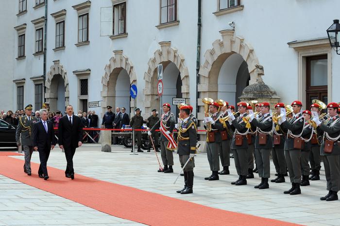 Vyanada Azərbaycan Prezidenti İlham Əliyevin rəsmi qarşılanma mərasimi olub (FOTO) - Gallery Image