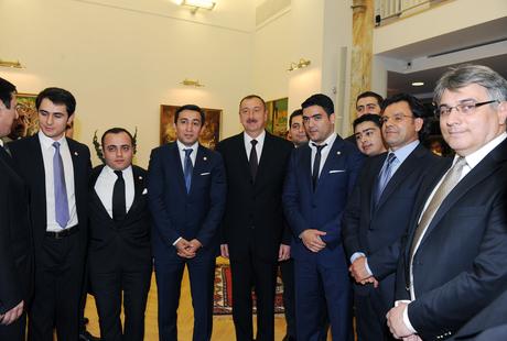 Prezident İlham Əliyev və xanımı Vyanada Azərbaycan Mədəniyyət Mərkəzinin açılışında iştirak ediblər (ƏLAVƏ OLUNUB) (FOTO) - Gallery Image