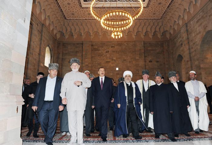 Президент Ильхам Алиев: Азербайджан, как независимое государство, вносит свой вклад в исламскую солидарность (ФОТО) - Gallery Image