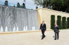 Azərbaycan Prezidenti Dağüstü parkda yenidənqurmadan sonra yaradılmış şəraitlə tanış olub (FOTO) - Gallery Thumbnail