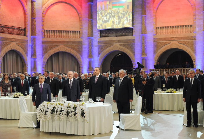 Azerbaijan`s President attends official reception in connection with Republic Day (PHOTO)