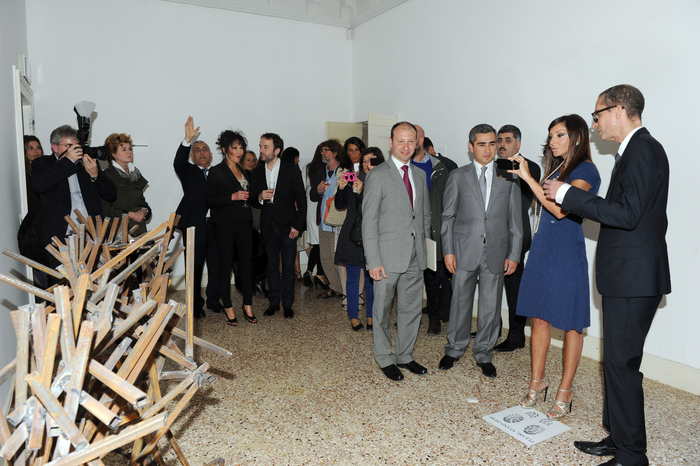 Azerbaijan's First Lady Mehriban Aliyeva attends opening of country's pavilion in Venice Biennale (PHOTO) - Gallery Image