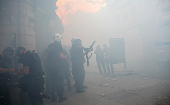 Civilians suffer from tear gas used against May Day marchers in Turkey