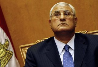 Mansour sworn in as Egypt's interim president