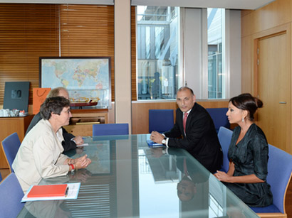 Azerbaijan`s First Lady meets French Minister for Sport, Youth, Popular Education and Associative Life (PHOTO)