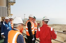"""Azerbaijani President inspects construction and installation work at """"West Chirag"""" platform (PHOTO) - Gallery Thumbnail"""