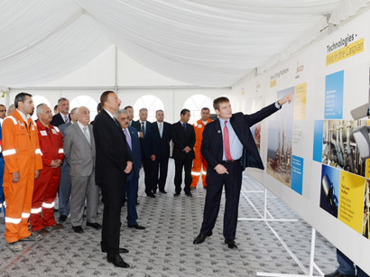 """Azerbaijani President inspects construction and installation work at """"West Chirag"""" platform (PHOTO)"""