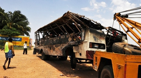More than 30 injured in India bus accident