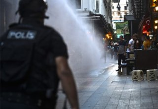 May Day marchers clash with police in Turkey