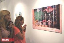 Человек в вулканической грязи, увядшие розы, разговор по душам - необычная выставка в Баку (фото) - Gallery Thumbnail