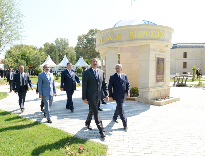 Azerbaijani President arrives in Kurdamir region (PHOTO) - Gallery Image