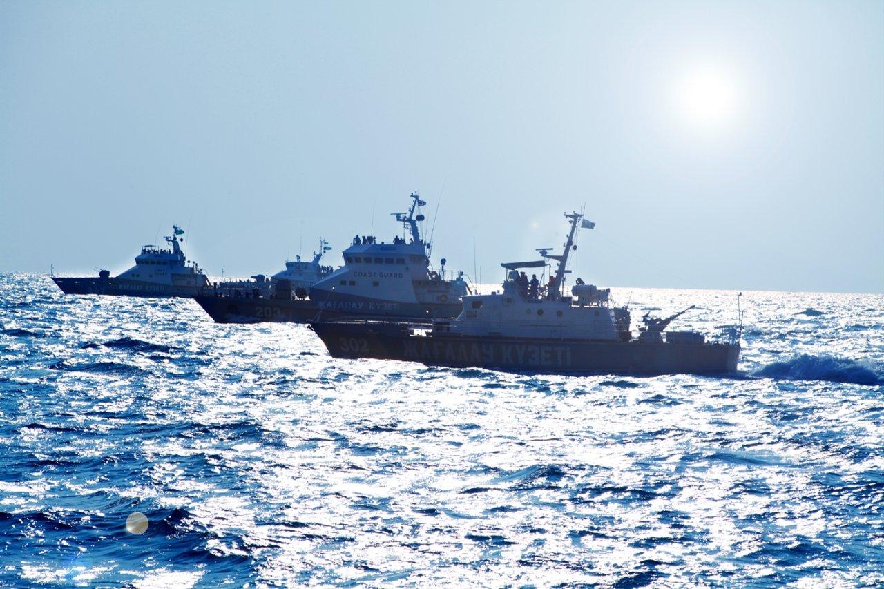 Пограничники Казахстана провели тактические учения в акватории Каспия (ФОТО)