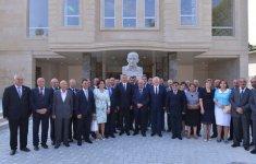 Президент Азербайджана ознакомился с ходом работ по капремонту и реконструкции в здании Шекинского государственного драмтеатра (ФОТО) - Gallery Thumbnail