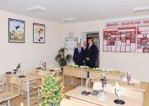 Ильхам Алиев ознакомился с состоянием  школы в пос. Бузовна после капремонта и принял участие в церемонии открытия нового учебного корпуса (ФОТО) - Gallery Thumbnail