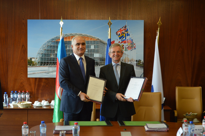 Азербайджан и Европейский инвестиционный банк подписали рамочное соглашение (ФОТО) - Gallery Image