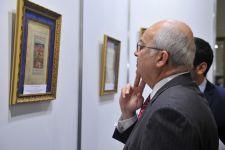 Nizami Gəncəvinin əsərlərini əks etdirən rəsm sərgisi keçirilib (FOTO) - Gallery Thumbnail