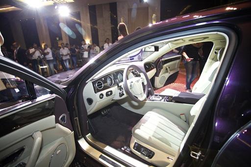 В Баку представлен люксовый седан Bentley Flying Spur (ФОТО) - Gallery Image