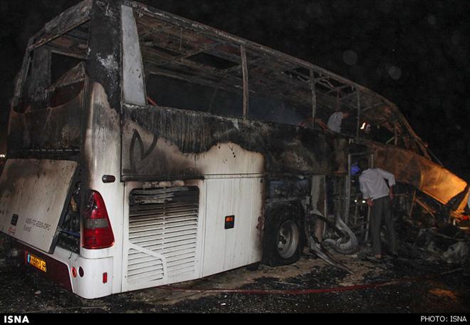 Bus collision kills 15 in Bangladesh