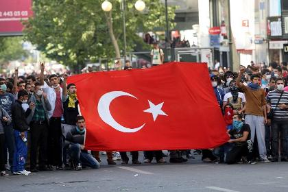 Detained May Day marchers released in Turkey