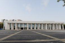 """Ильхам Алиев ознакомился с работами, которые проводятся перед Дворцом культуры """"Кимьячы"""" в Сумгайыте (ФОТО) - Gallery Thumbnail"""