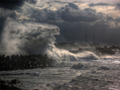 Istanbul's bad weather forces sea voyages to be cancelled