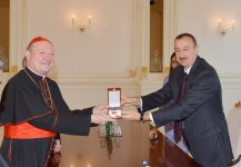 President Aliyev honored with Medalla Sede Vacante medal for merits in developing Azerbaijan-Vatican relations (PHOTO) - Gallery Thumbnail