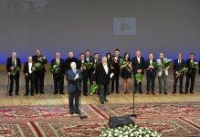 Первая леди Азербайджана приняла участие в церемонии презентации фильма Юлия Гусмана «Не бойся, я с тобой! 1919» (ФОТО) - Gallery Thumbnail