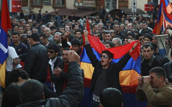 Protest march in Armenia against mandatory funded pension system