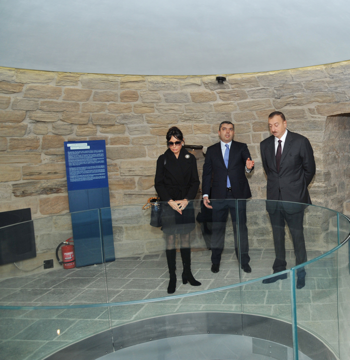 Azerbaijani President Ilham Aliyev and his spouse familiarize with conservation work at Maiden Tower in Baku (PHOTO) - Gallery Image